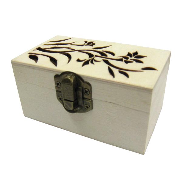 Ξύλινο αλουστράριστο κουτί με σκαλιστό φυτό
