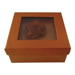 Τετράγωνο χάρτινο καφέ κουτί με λουλούδι [11401142]